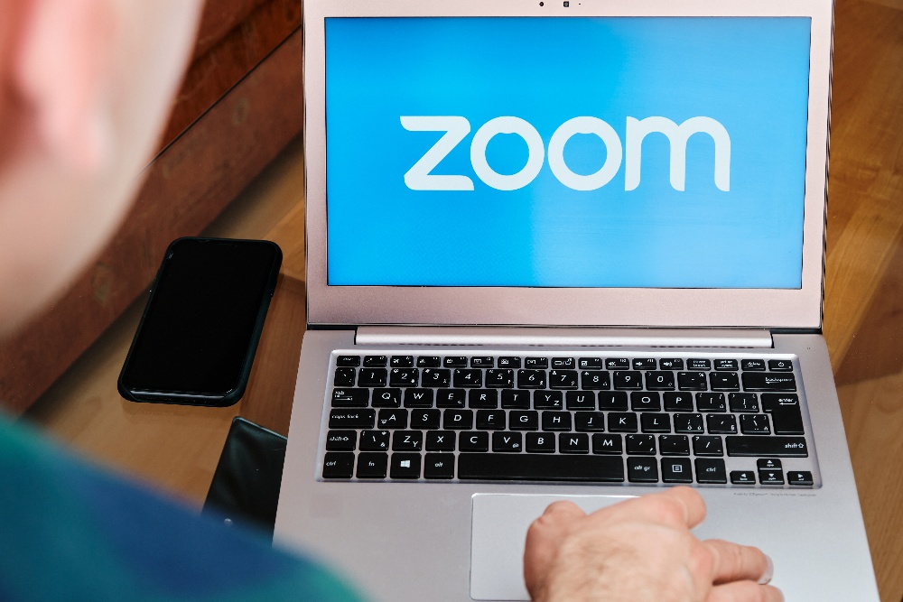 4 Reasons to Use Zoom in a Virtual Desktop